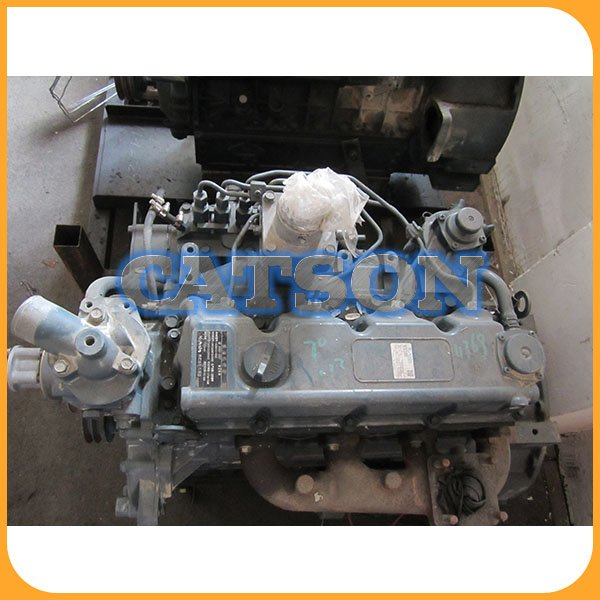 Kubota V3300 engine assy  4